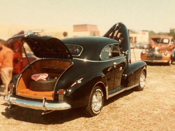 oldblackcar01